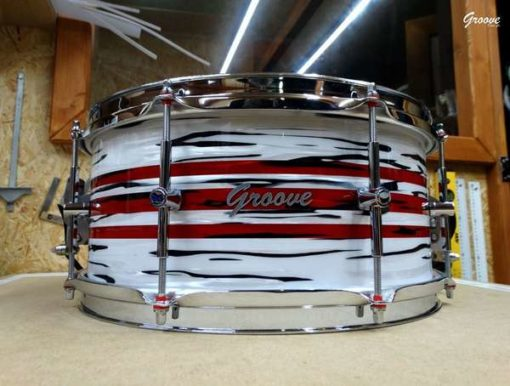 """Snare Drum Groove Drum Co - Delmar white/red oyster over Maple 14x6,5"""""""